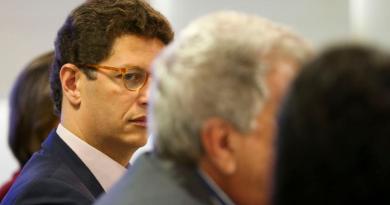Ministério Público de SP pede saída do ministro do Meio Ambiente, Ricardo Salles, já condenado pela justiça
