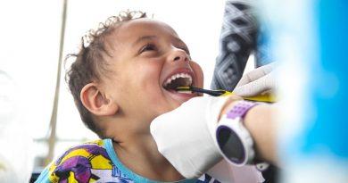 voluntários levam atendimento odontológico e médico para comunidades e indígenas no litoral do PR