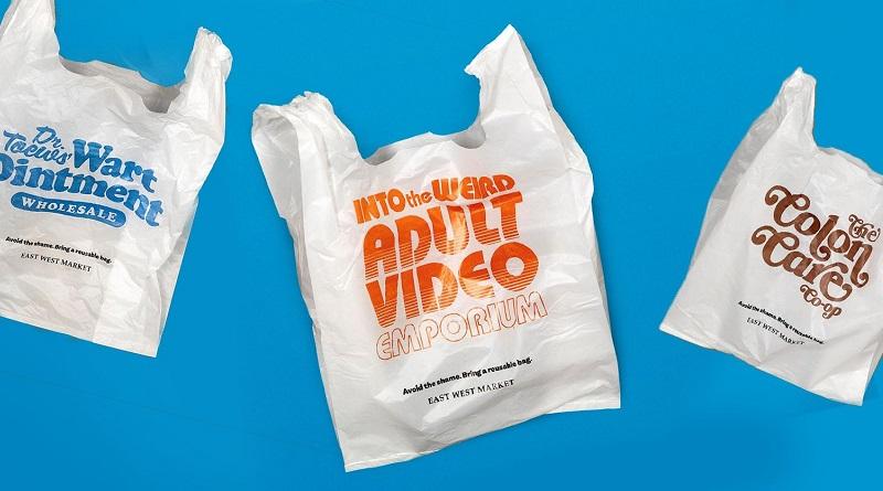 Mercado no Canadá cria tática inusitada pra convencer clientes a não usarem sacolas plásticas