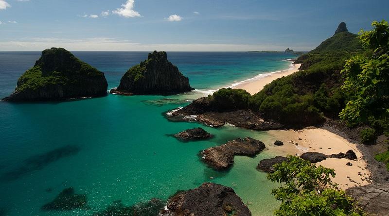 Bolsonaro quer acabar com taxa ambiental cobrada em Parques Nacionais Marinhos de Fernando de Noronha