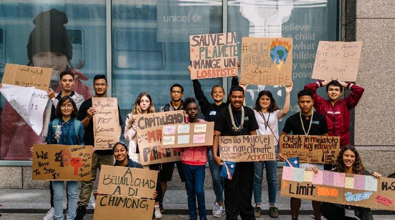 Grupo de jovens, entre eles, Greta Thunberg e ativista brasileira, denunciam Brasil e outros países na ONU