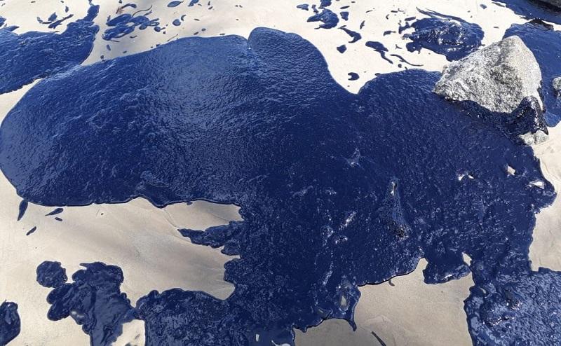 Já chega a 200 número de praias atingidas pela mancha de óleo no litoral nordestino