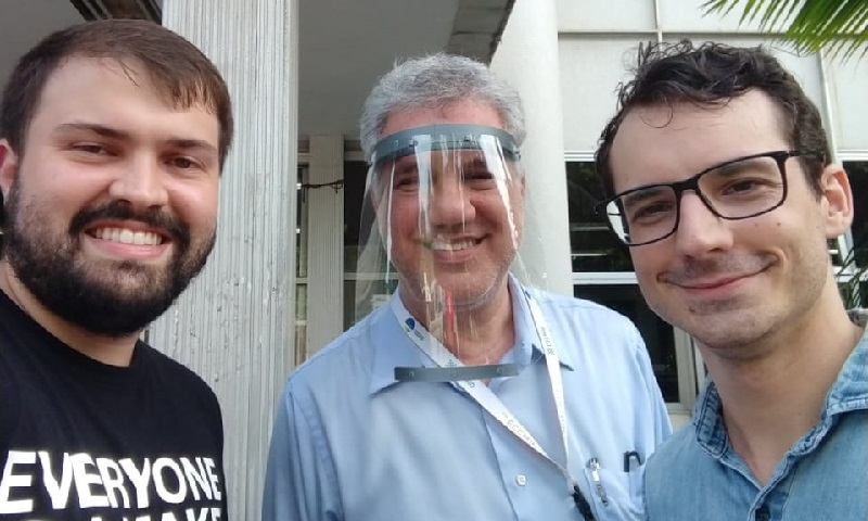 Universidades de todo país estão produzindo máscaras e viseiras em impressoras 3D para ajudar profissionais de saúde