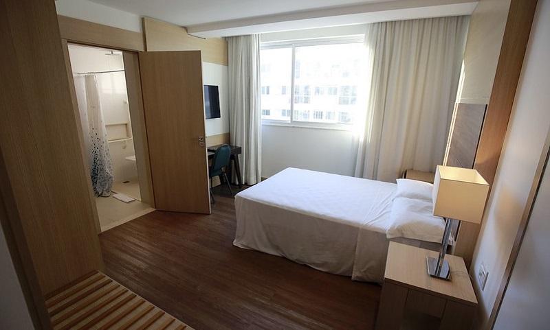 Hotéis do Rio de Janeiro hospedam idosos de comunidades carentes para que eles possam se proteger do coronavírus