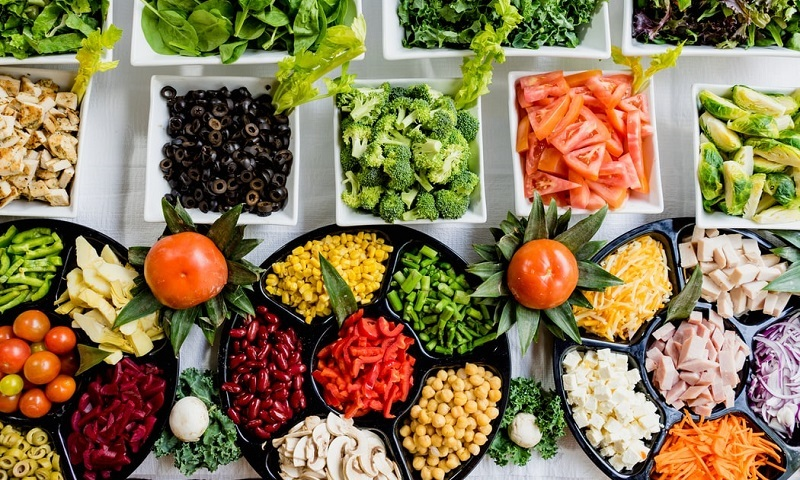 Entra em vigor lei que autoriza restaurantes, bares lanchonetes e supermercados a doarem alimentos