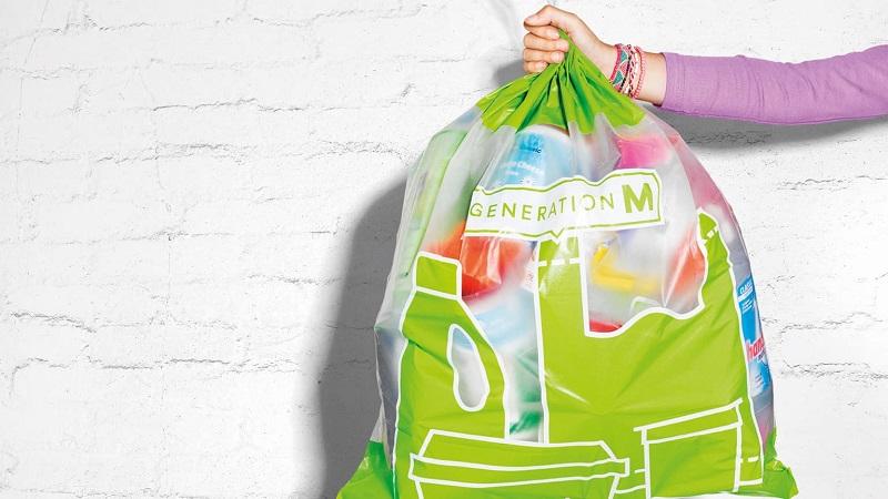 Supermercado suíço lança projeto piloto em que clientes devolvem embalagens plásticas, que serão recicladas em novas embalagens