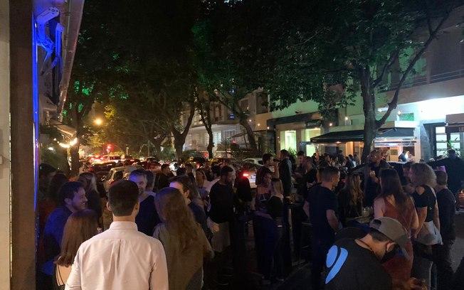Cariocas lançam repúdio público a aglomerações em bares e ao descaso de parte da população do Rio diante da pandemia