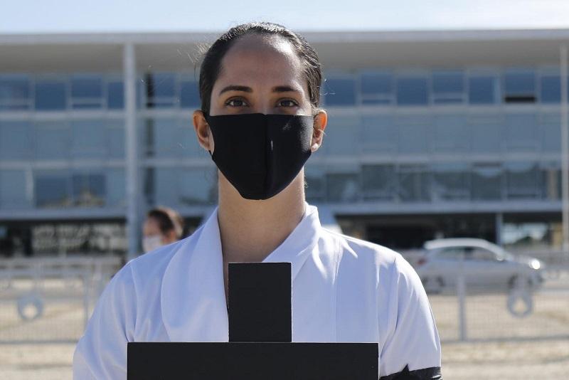 Brasil está entre os países com maior número de mortes de profissionais de saúde devido à pandemia