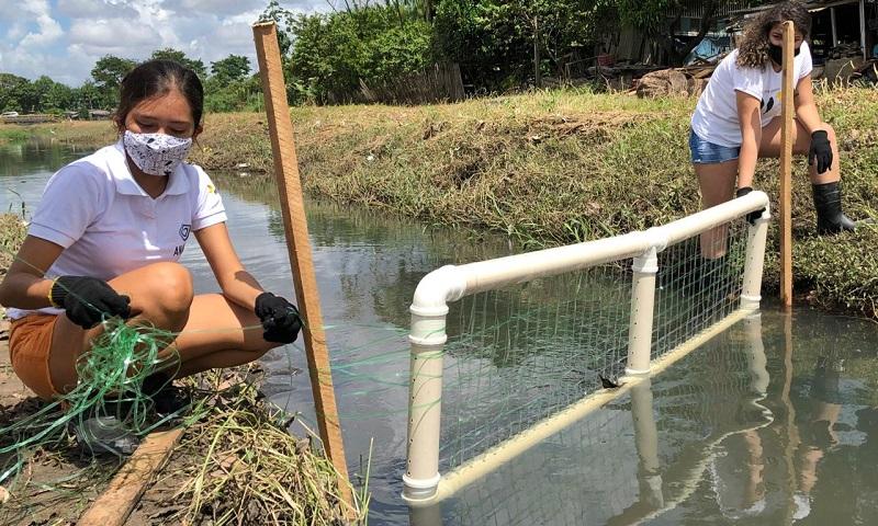 Estudantes do Pará são finalistas em competição mundial com projeto de ecobarreiras para impedir que plástico chegue aos oceanos