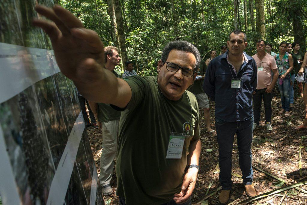 Defensor dos indígenas isolados morre flechado no coração durante missão para evitar conflito em Rondônia