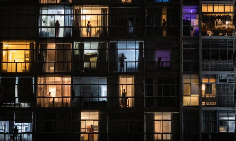 Duas imagens do fotógrafo brasileiro Victor Moriyama estão entre 12 escolhidas pelo The New York Times para resumir 2020