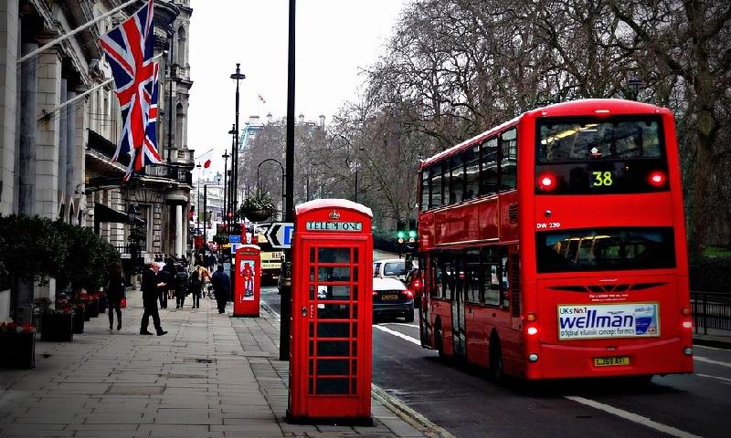 Oxford e Coventry devem se tornar primeiras cidades da Inglaterra a ter frotas de ônibus totalmente elétricas