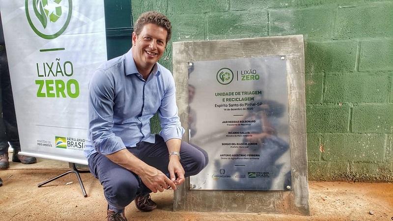 """Salles concentra verba do Fundo Clima para um único projeto, o """"Lixão Zero"""", em Rondônia, estado com uma das mais altas taxas de desmatamento"""
