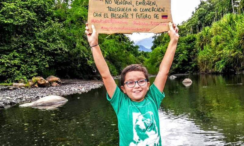 Ativista colombiano de 11 anos que recebeu ameaça de morte é homenageado pela ONU