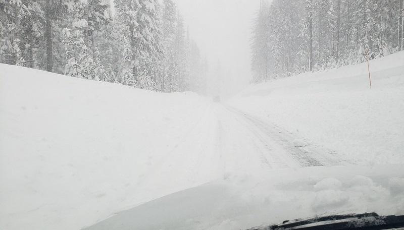 Milhões de pessoas ficam sem energia e água no Texas devido à nevasca associada com aquecimento do Ártico