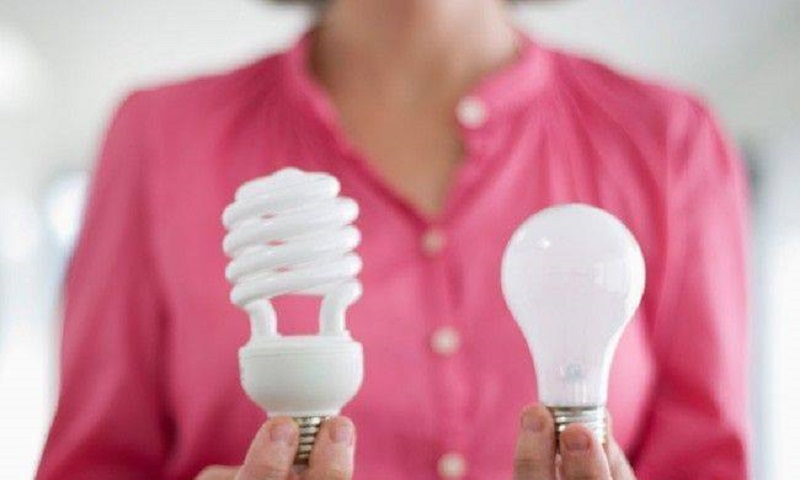 Lâmpadas velhas podem ser coletadas gratuitamente em condomínios de todo país. Cadastre já o seu!