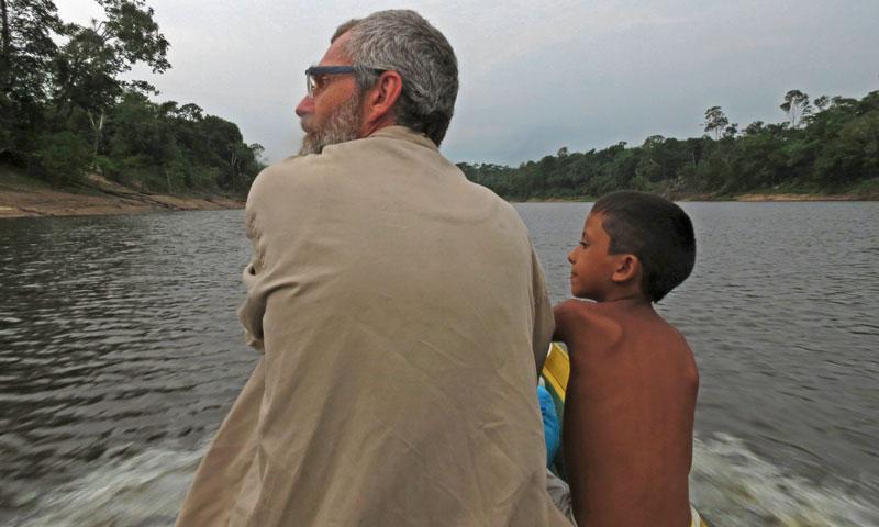 Pra fotografar as anhumas na Amazônia, vale virar petisco de inseto