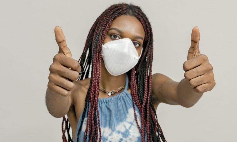 Dezenas de entidades médicas do país fazem apelo à população pelo uso da máscara para evitar ainda mais mortes pela COVID-19