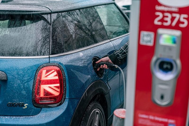 """""""Não há futuro de longo prazo para carros com motor de combustão interna"""", diz Henrik Green, diretor de tecnologia da Volvo. A previsão é que, em 2025, 50% das vendas globais sejam de elétricos e a outra metade, de híbridos"""