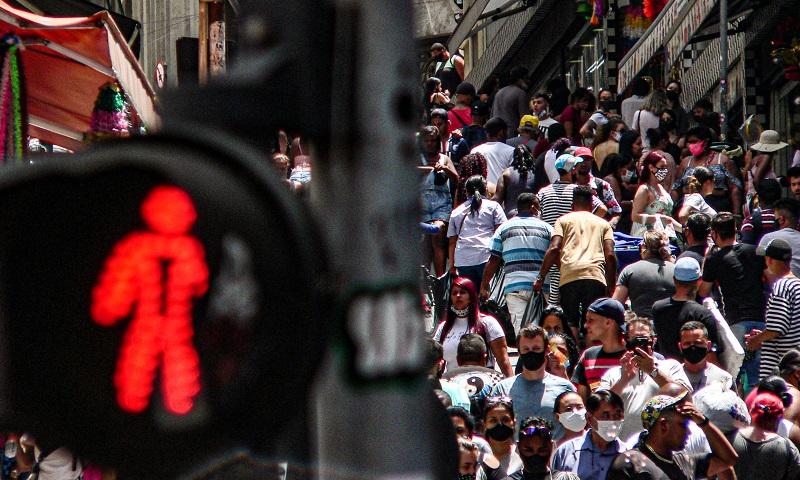 Sociedade Paulista de Infectologia defende ampliação de medidas restritivas para conter a pandemia