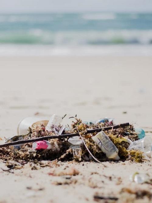 Mais de 45 toneladas de resíduos, incluindo lixo hospitalar, já foram recolhidos em praias do Rio Grande do Norte