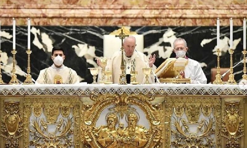 Durante missa de Páscoa, Papa Francisco reforça urgência de vacinação em países pobres
