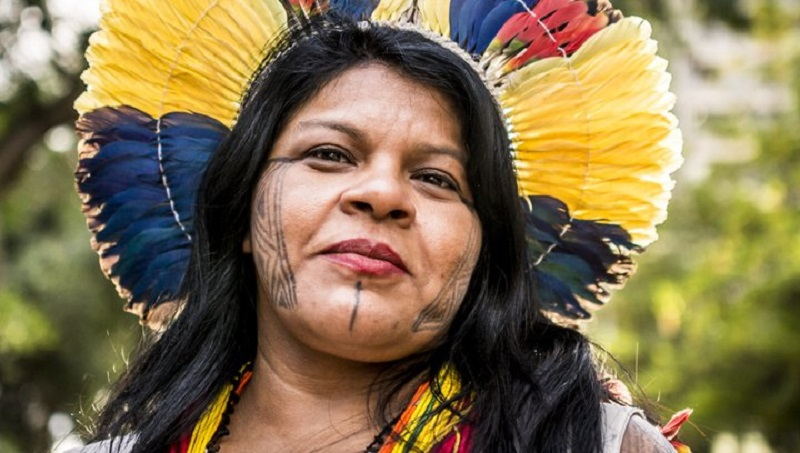 Polícia Federal intima Sonia Guajajara para depor em inquérito sobre difamação do governo na websérie 'Maracá'