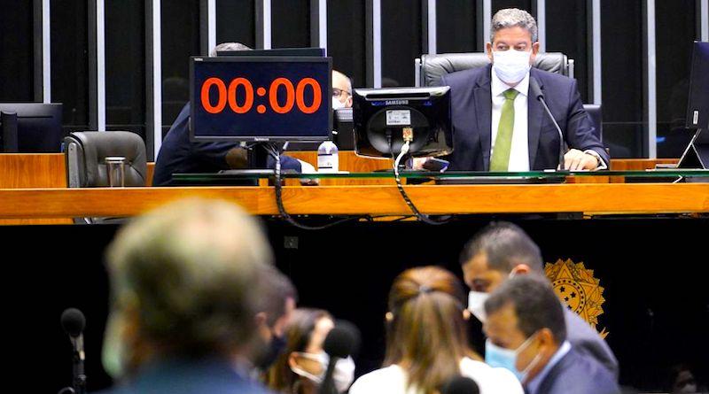 Projeto que flexibiliza o licenciamento ambiental é aprovado na Câmara dos Deputados. Agora, segue para o Senado