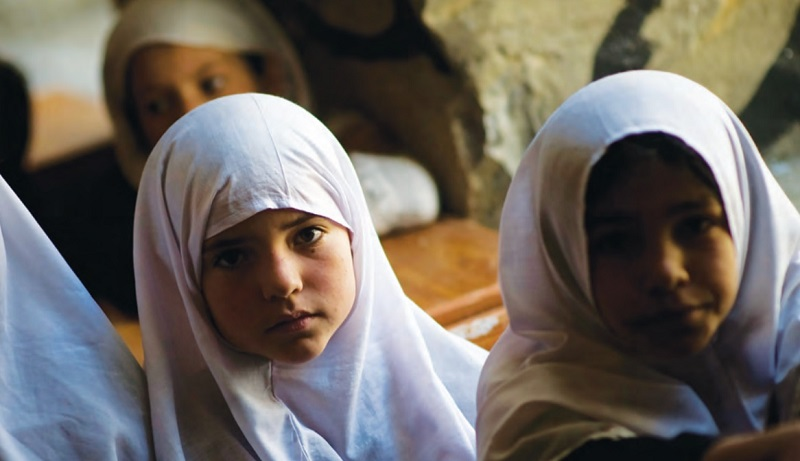 Talibã convoca apenas alunos do sexo masculino para volta às aulas