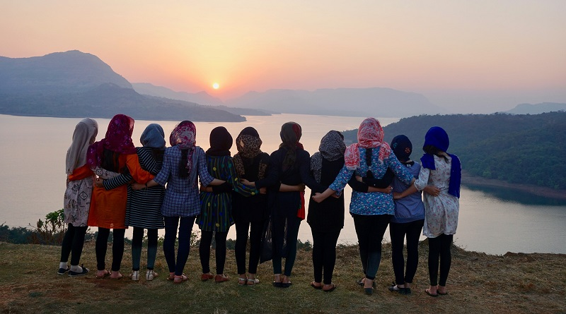 Alunas e professores de escola afegã para meninas chegam com segurança em Ruanda, mas sonham com mudança apenas temporária