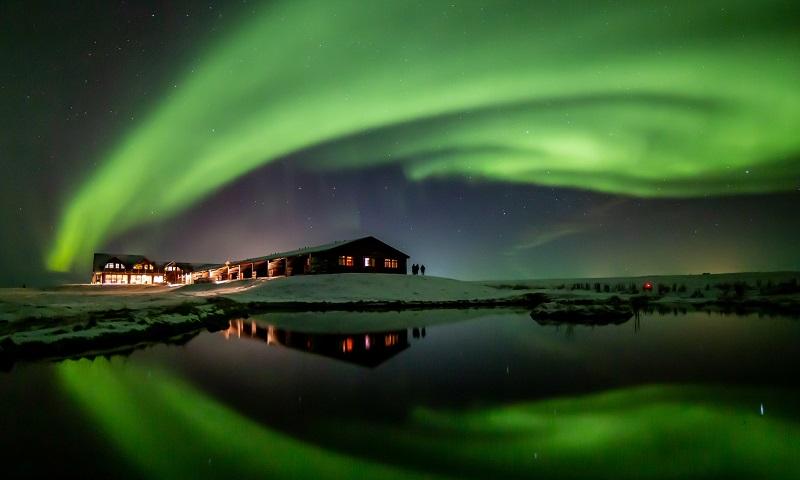 Hotel na Islândia oferece viagem com tudo pago para fotógrafos dispostos a registrar a aurora boreal