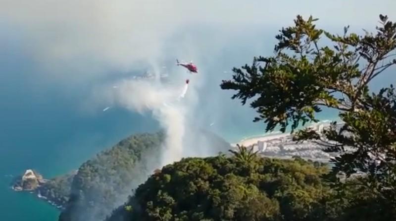 Incêndios na Pedra da Gávea, no Rio de Janeiro, podem ter sido provocados por balões