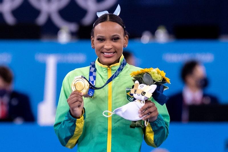 Rebeca Andrade vence a prova de salto e é a primeira brasileira a conquistar duas medalhas em uma mesma Olimpíada