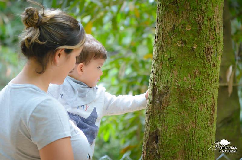 Como conversar com bebês na natureza?