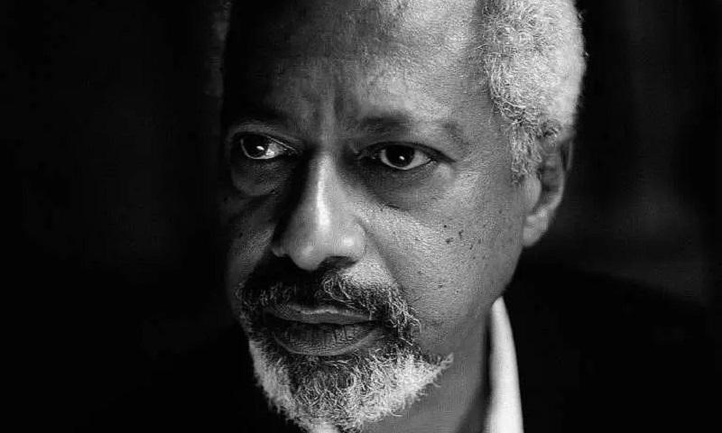 Escritor africano Abdulrazak Gurnah leva o Nobel de Literatura 2021 por suas obras sobre o colonialismo e os refugiados