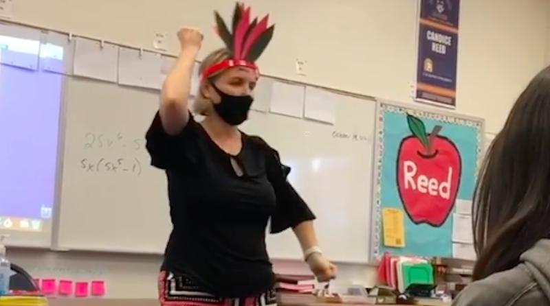 Professora é afastada por imitar e ridicularizar os indígenas em sala de aula